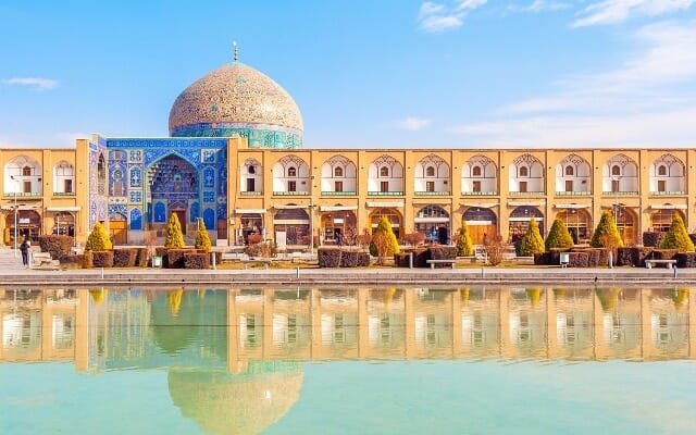 Sheikh Lotfollah Mosque - Naqsh-e Jahan Square Isfahan - Express Persia Iran Tour Highlight